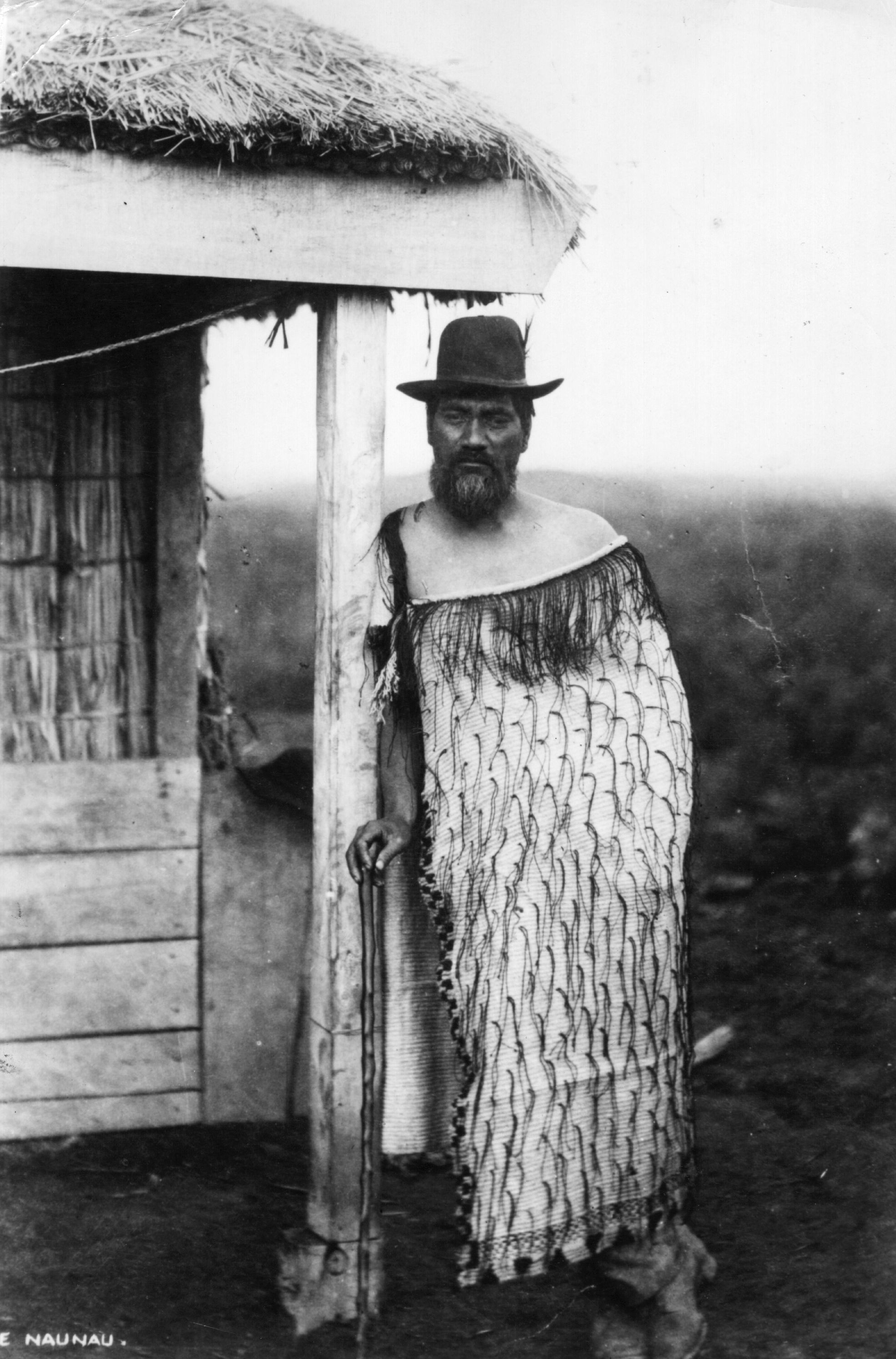 circa 1900:  A Maori man in a long cloak.  (Photo by Hulton Archive/Getty Images)