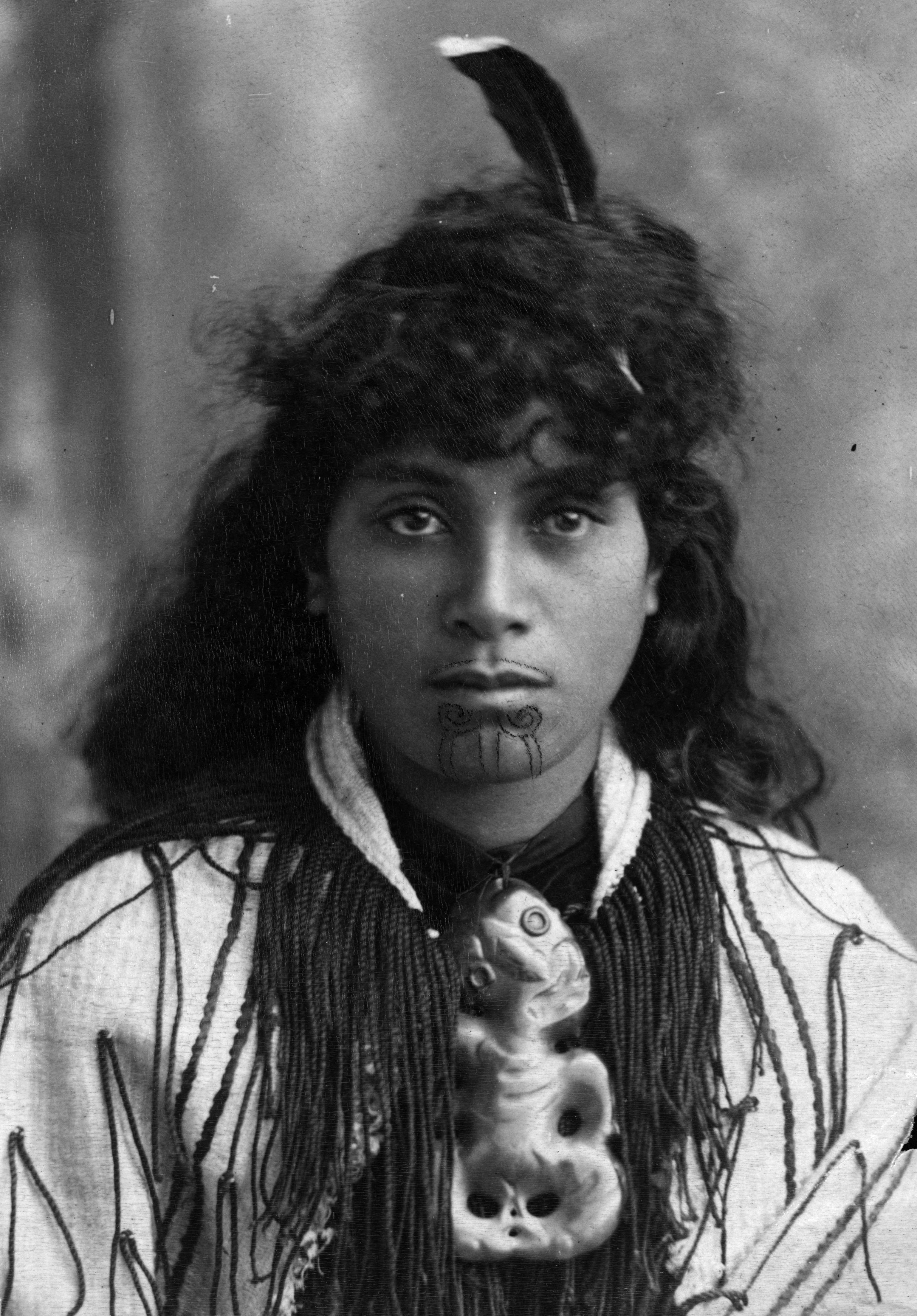 circa 1900:  A Maori woman with a tattooed lip.  (Photo by Hulton Archive/Getty Images)
