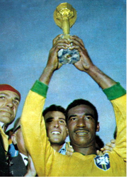 orld Cup Final. Santiago, Chile. 17th June 1962. Brazil 3 v Czechoslovakia 1. Brazil's Didi, (by then a veteran of 3 World Cups) holds aloft the Jules Rimet World Cup trophy as Brazil become world champions.