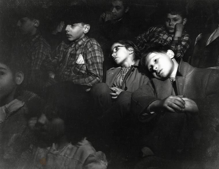 Arthur FEllig Photographing spectators in the cinemas in 1943 Weegee