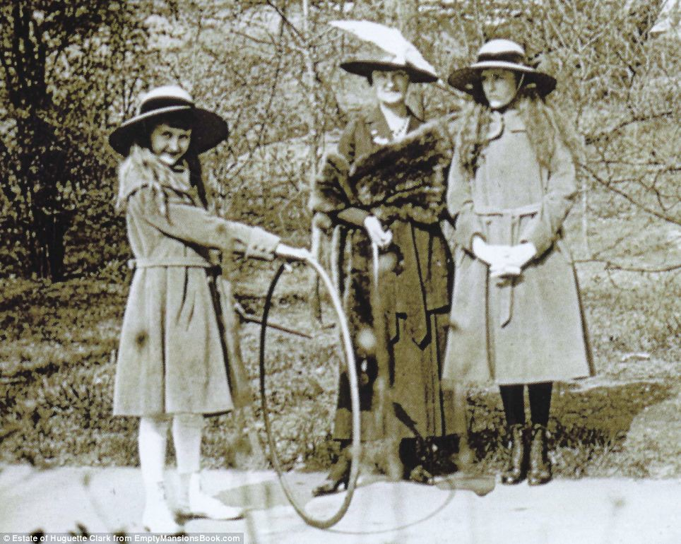 lark is pictured left with her sister, Andree, who passed away when she was a teenager, and their mother, Anna Read more: http://www.dailymail.co.uk/news/article-2627292/Never-seen-photographs-copper-heiress-Huguette-Clark-reveal-childhood-Paris-lavish-properties-languished-chose-live-final-20-years-Manhattan-hospital.html#ixzz3TJkvni7F Follow us: @MailOnline on Twitter | DailyMail on Facebook