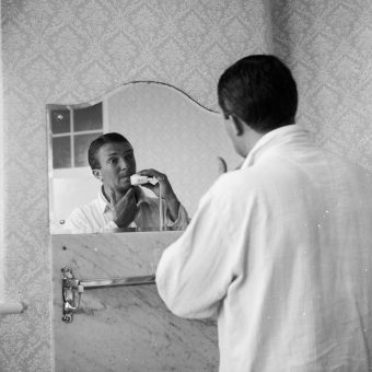 Richie Benaud Takes A Shower And A Shave: 1961