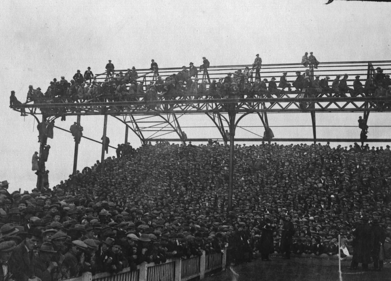5th March 1921:  A huge crowd watches the match between Cardiff City and Chelsea.  (Photo by A. R. Coster/Topical Press Agency/Getty Images)