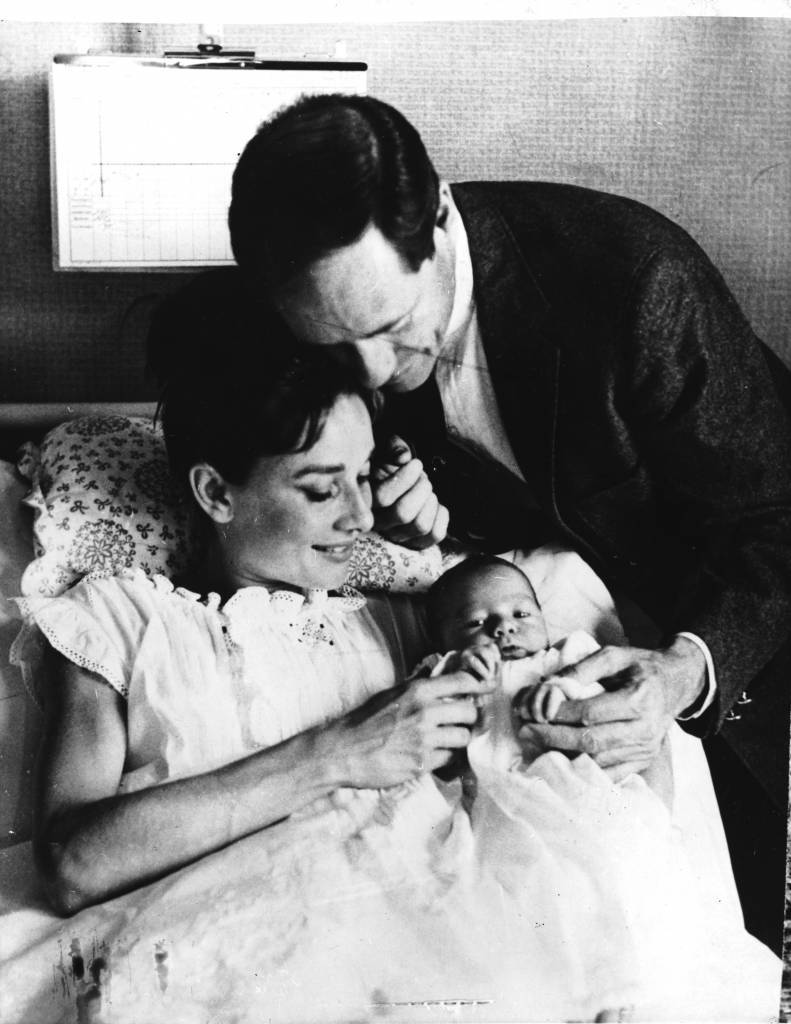 Actress Audrey Hepburn (1929-1993) with her husband, American actor Mel Ferrer (1917 - 2008) and their three-day-old son Sean, Lucerne, Switzerland, 20th July 1960. (Photo by Central Press/Hulton Archive/Getty Images)
