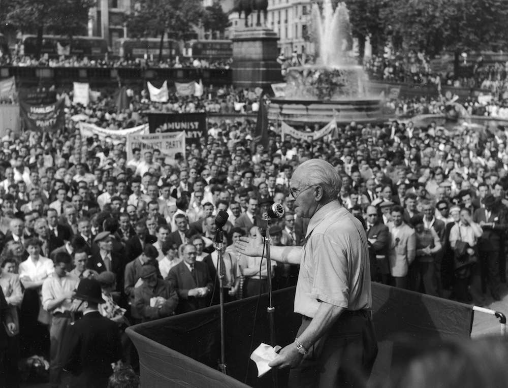 Scottish politician Willie Gallacher (1881 - 1965), a former Scottish member of Parliament, speaks to the crowds during a Communist Party rally in Trafalgar Square, London, England, June 30, 1958. (Photo by Express Newspapers/Getty Images)