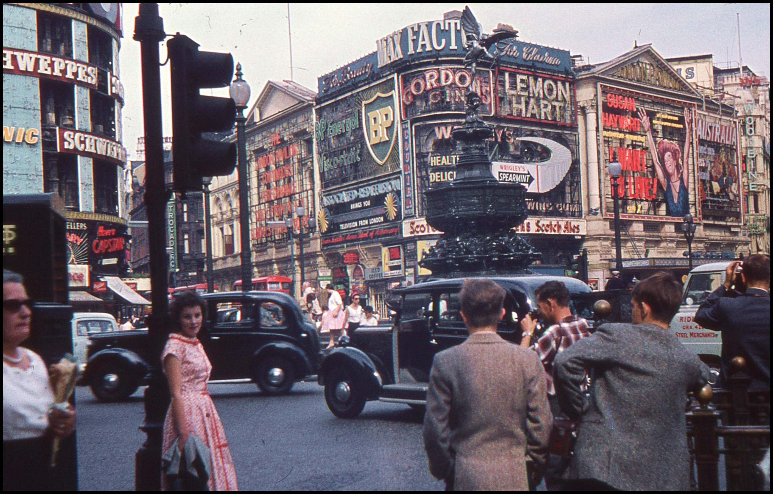 Life in London 1959 – Archive Footage