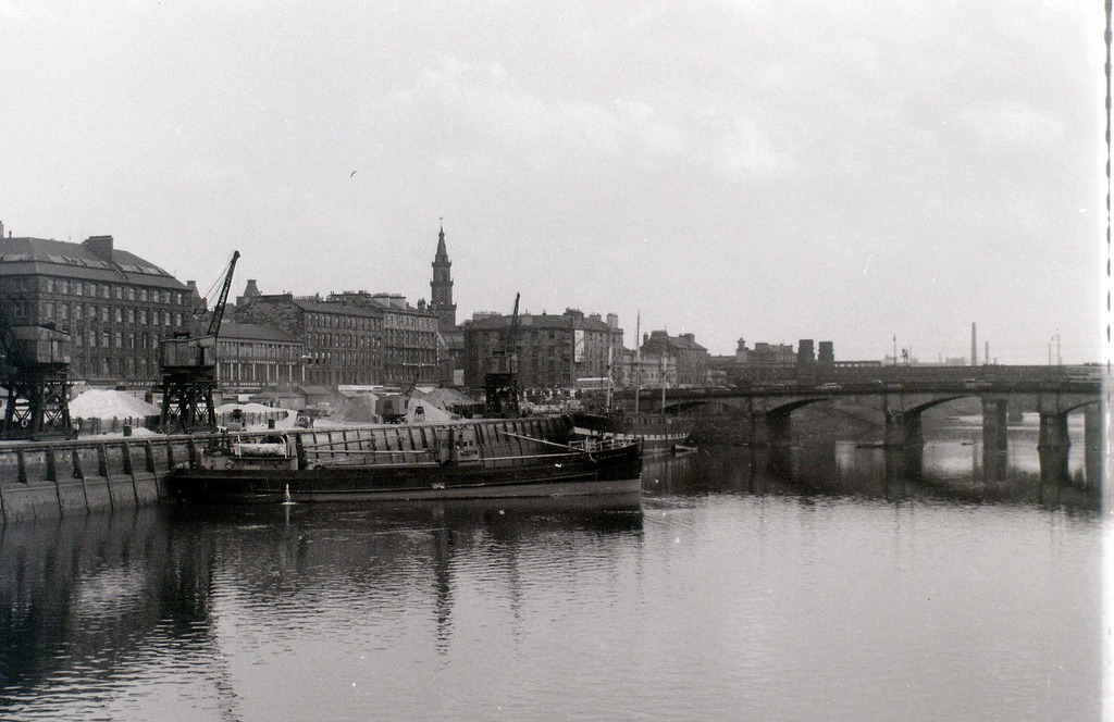 Robert Henderson: Clyde Street with the SS Carrick and Glasgow Bridge in the background. A former clipper she was used as the RNVR club in Glasgow for many years.