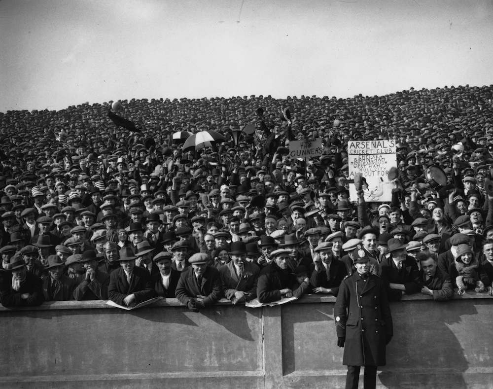 March 1930:  The crowd at the FA Cup semi-final between Arsenal and Hull City at Elland Road.  (Photo by J. A. Hampton/Topical Press Agency/Getty Images)