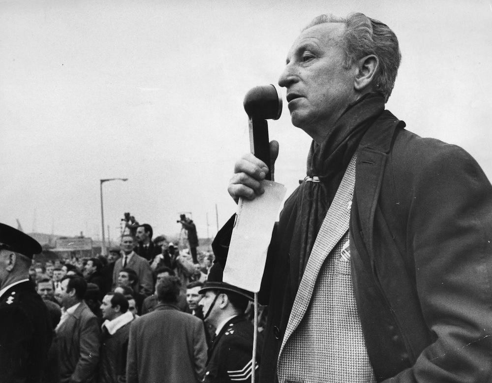 23rd November 1967: Jack Dash, Communist and unofficial dockers' leader, addressing a crowd during a strike. (Photo by Sydney O'Meara/Evening Standard/Getty Images)