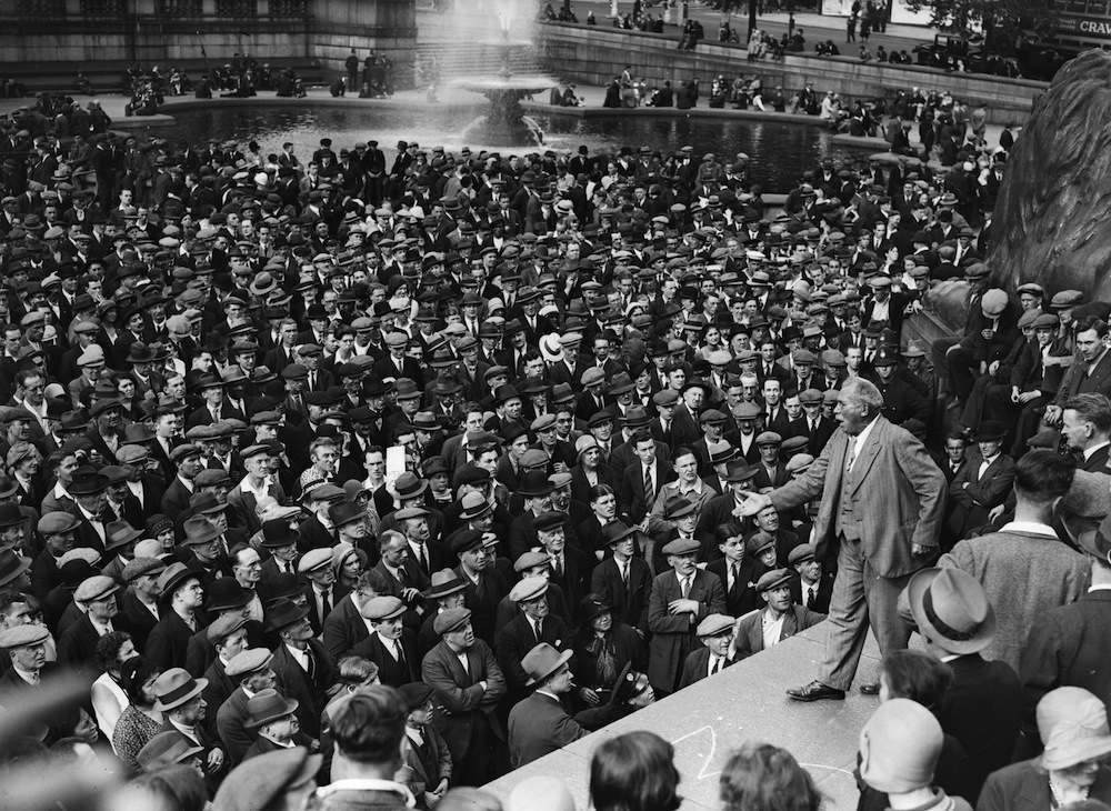 1st August 1931:  Veteran Trade Unionist Tom Mann (1856 - 1941) addressing a Communist meeting in Trafalgar Square, London.  (Photo by Fox Photos/Getty Images)