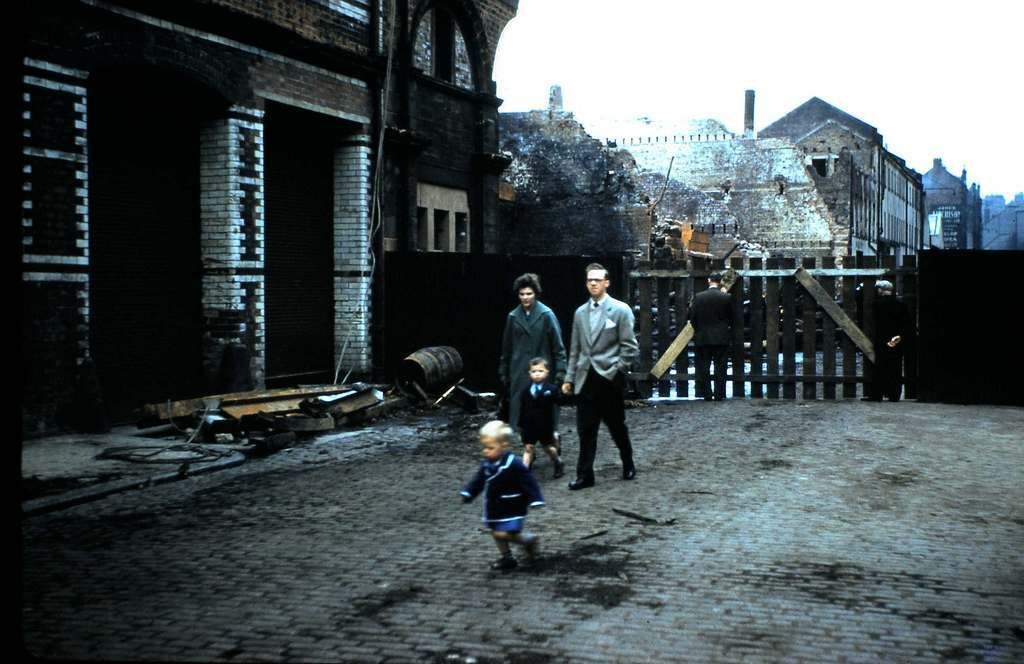 9 firemen were killed in the Cheapside Street bonded warehouse fire on 28 March 1960.