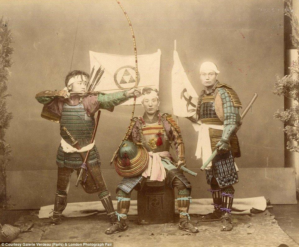 the samurai way of life in japan Samurai warriors emerged as an elite force in japan's provinces during the early 10th century recruited by local chieftains, these fighting forces were maintained.