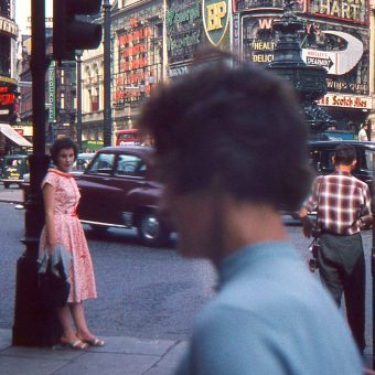 Fabulous Colour Photos of a Weekend Trip to London in 1959