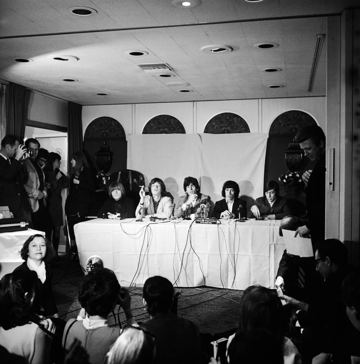 The Rolling Stones at a press conference at the Beverly Rodeo Hotel, Los Angeles, 1965. Left to right: Brian Jones, Mick Jagger, Keith Richards, Bill Wyman and Charlie Watts. (Photo by Hulton Archive/Getty Images)