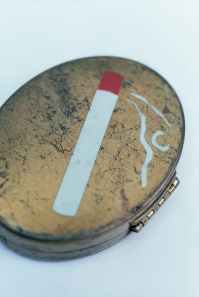 The artist's makeup compact