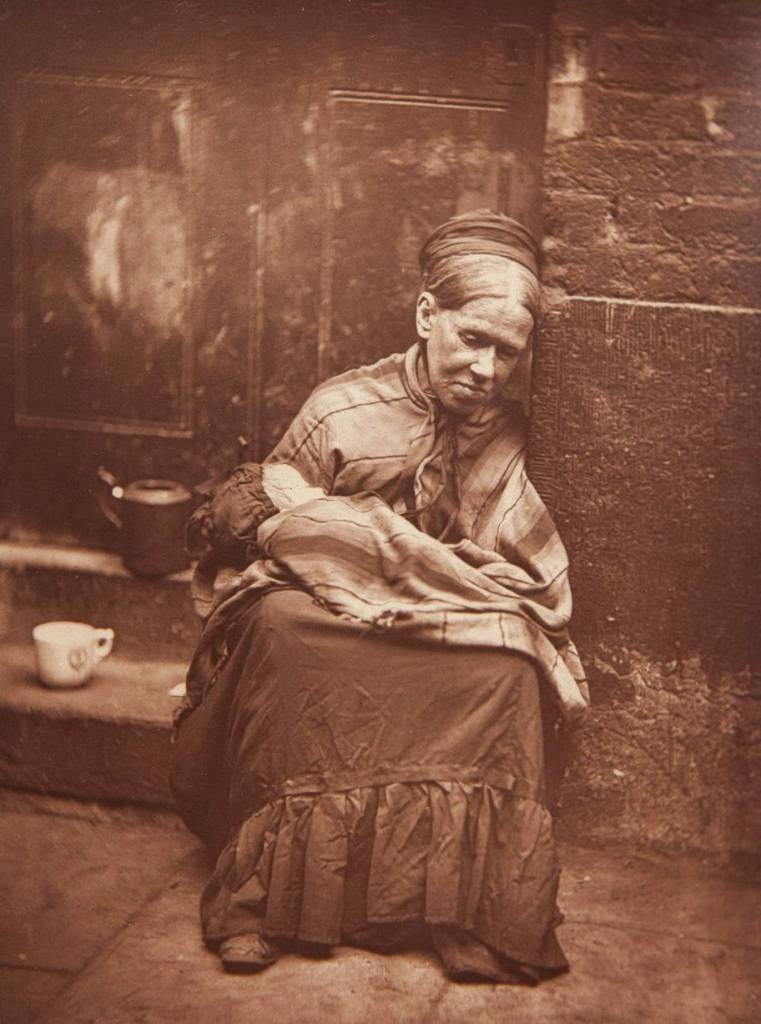 Street Life in London from the Victorian Era These incredible snapshots of life for Londoners in Victorian Britain were taken by photojournalist John Thomson in 1877.