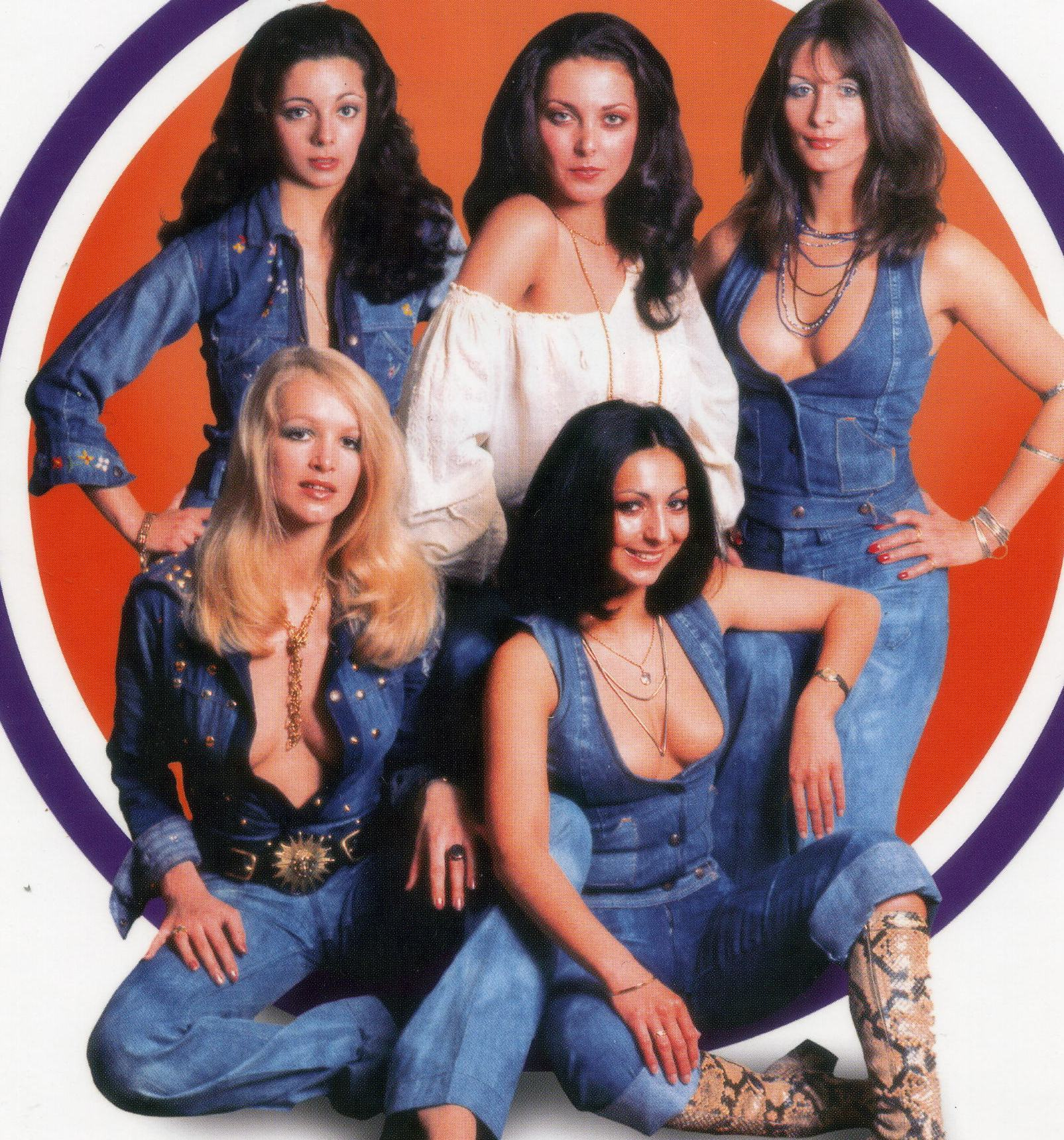 pans people photo