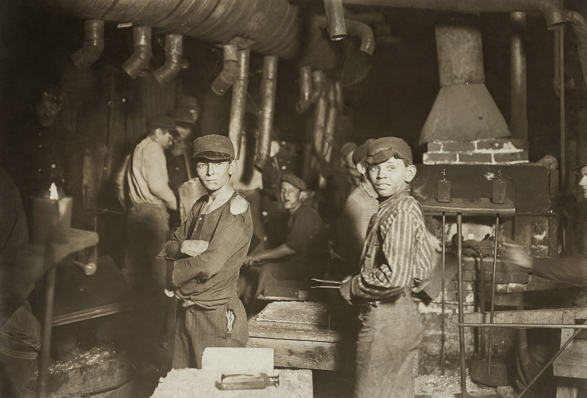 Child laborers in glassworks. Indiana, 1908