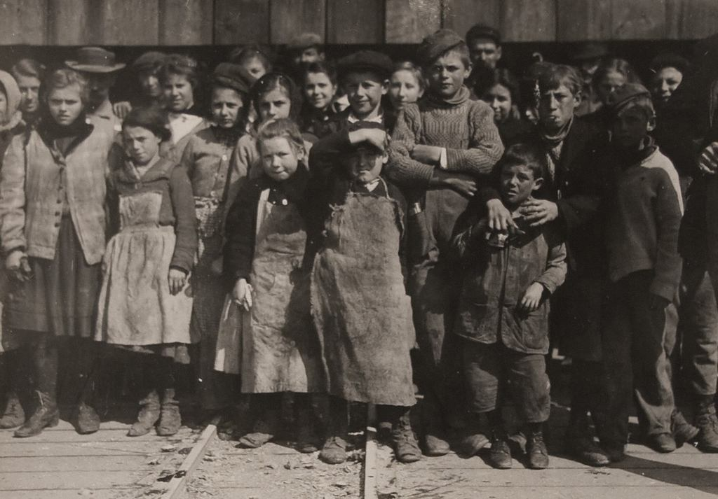 Oyster Shuckers at Alabama Canning Co.  1911