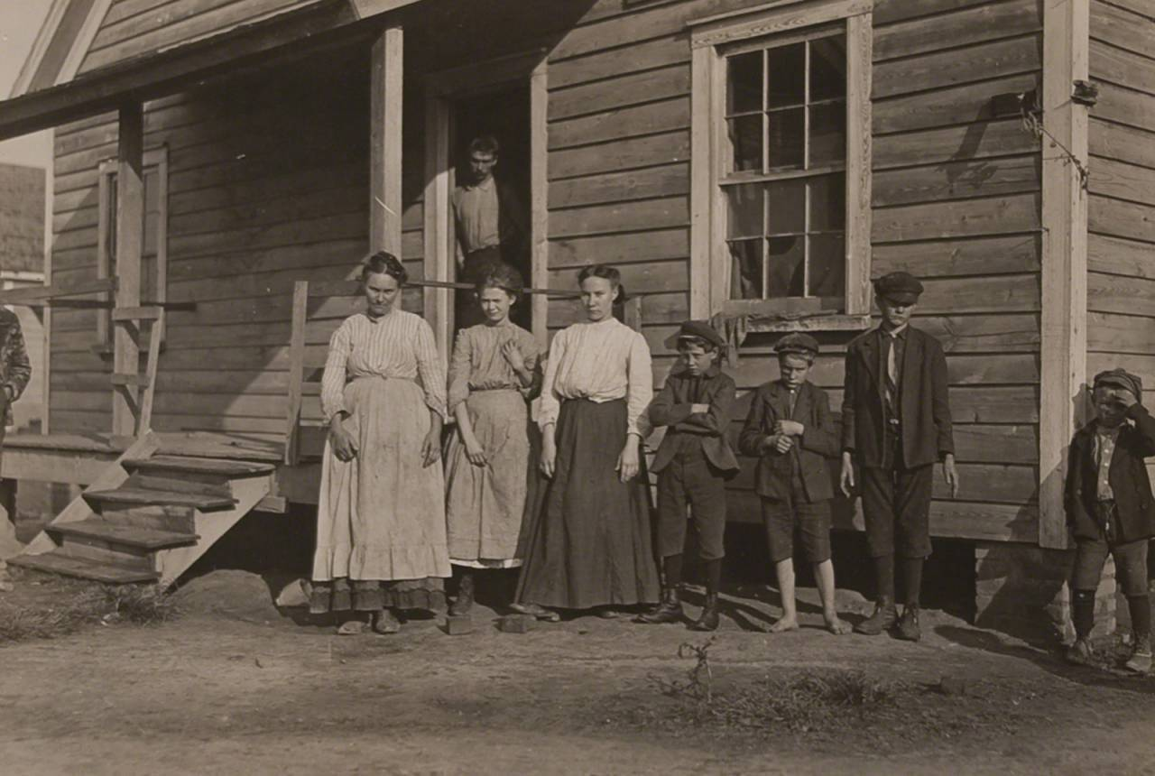 Carolina Cotton Mill Worker and his family, South Carolina