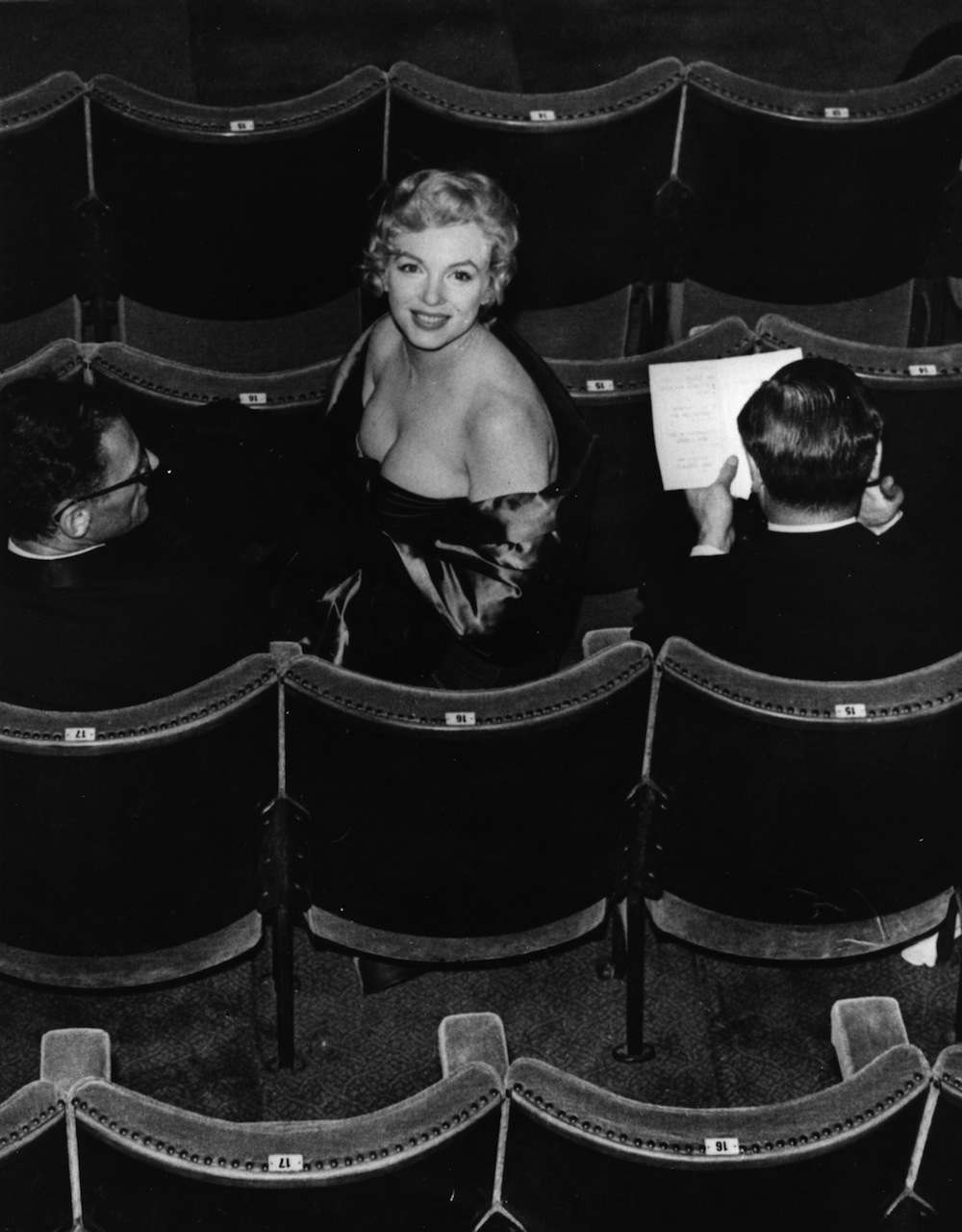 21 photos of marilyn monroe at ease in her own skin 12 1956