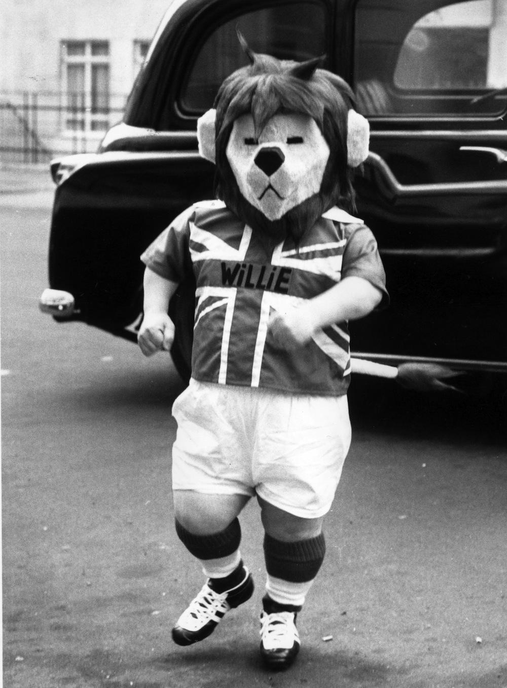 19th October 1965:  The British football team mascot World Cup Willie, played by George Claydon, arriving at the Football Association headquarters in London.  (Photo by Keystone/Getty Images)
