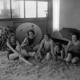 1930: Tea And Sand Castles At The Tolland Royal Hotel