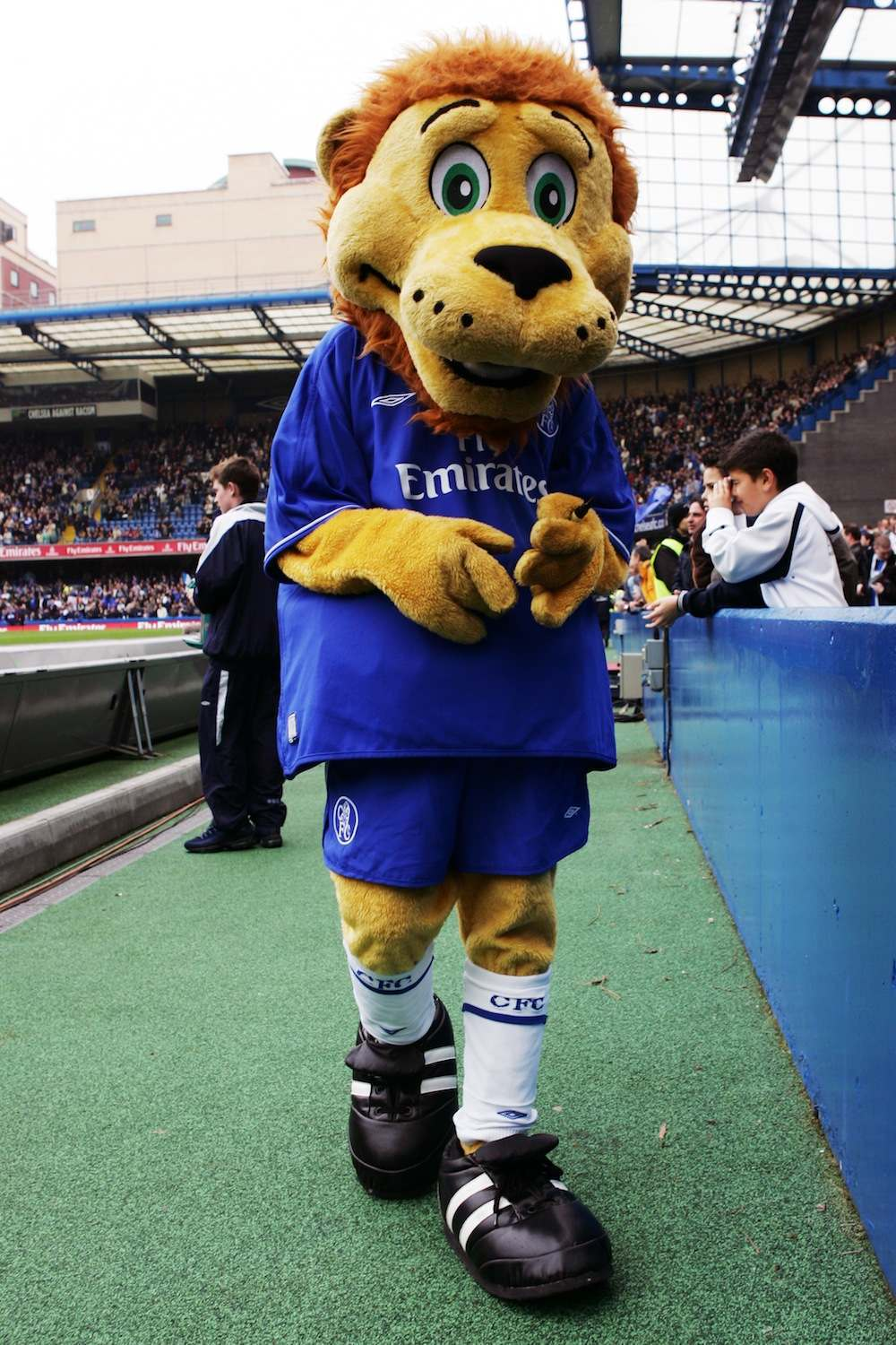 LONDON - APRIL 23:  Chelsea mascot Stamford the Lion entertains the crowd prior to the Barclays Premiership match between Chelsea and Fulham at Stamford Bridge on April 23, 2005 in London, England.  (Photo by Ben Radford/Getty Images) *** Local Caption *** Stamford the Lion