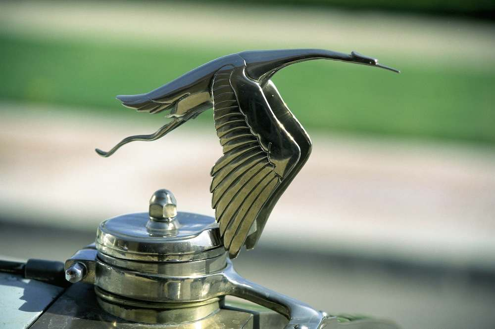 Logo of a Hispano-Suiza car  (Photo by Jose R. Platon/Cover/Getty Images)