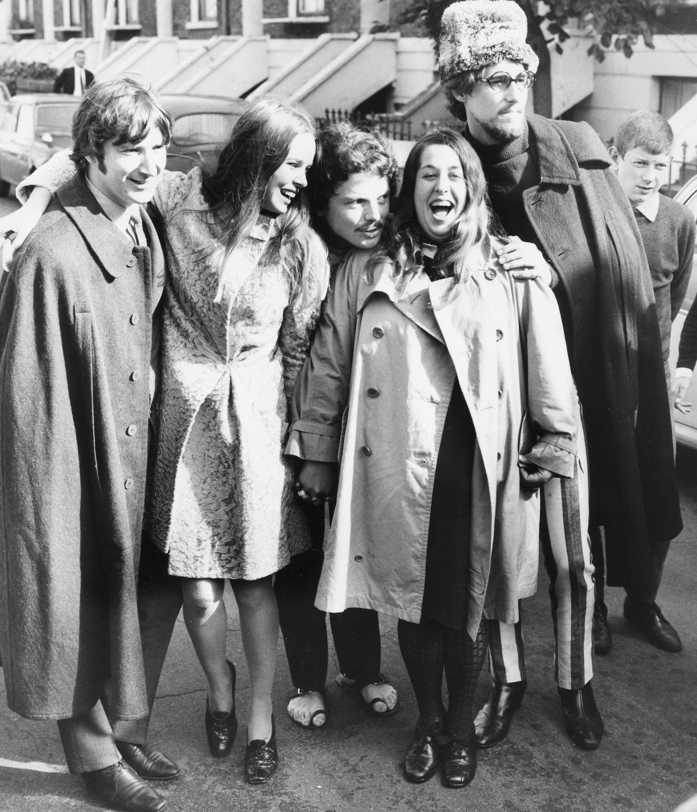 Happier times: Pop group 'The Mamas and the Papas': (L-R) Denny Doherty, Michelle Gillian, Cass Elliot and John Phillips, pictured with singer Scott McKenzie (centre), London, October 6th 1967. (Photo by Central Press/Hulton Archive/Getty Images)