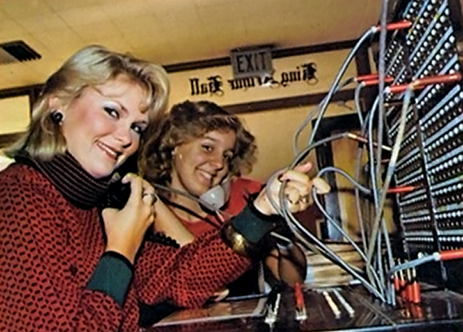 054_switchboard ladies