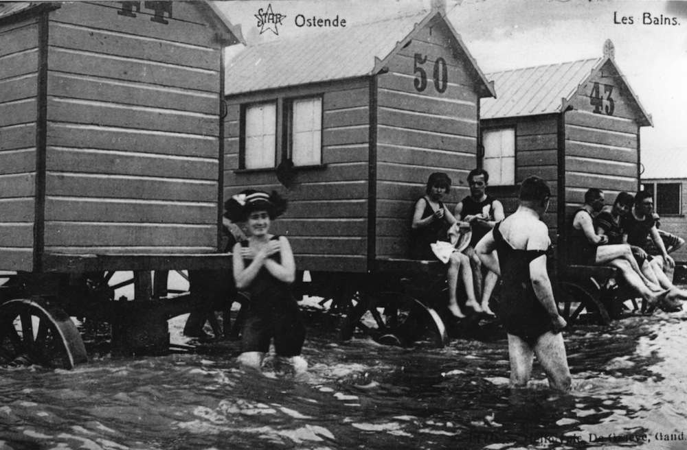 Bathers and bathing machines at Ostende. (Photo by Hulton Archive/Getty Images)