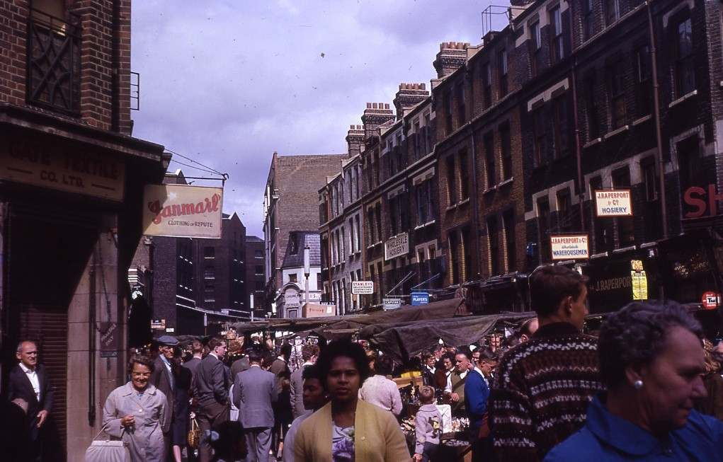 Middlesex Street looking up to Wentworth Street, 1962.