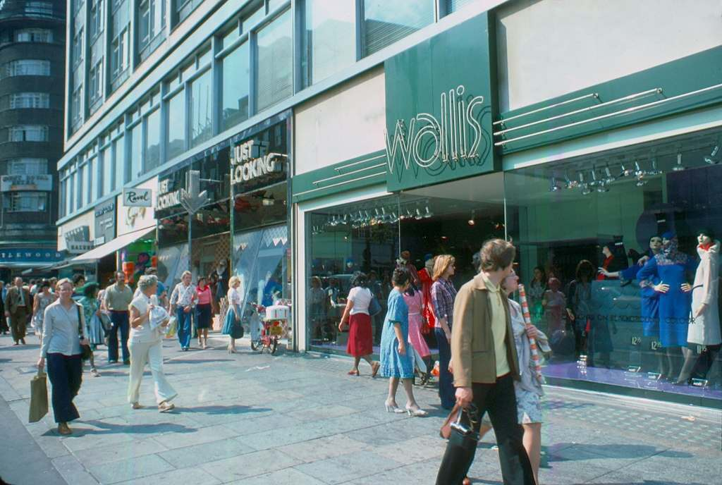 Oxford Street Wallis 1976 KH