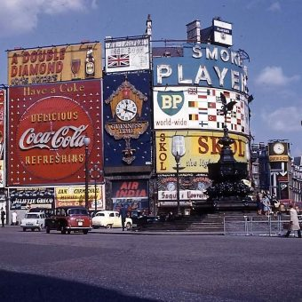 Fabulous Kodachrome Snapshots from a Day Trip to London in 1962