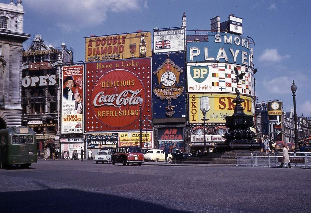 Piccadilly Circus 1962