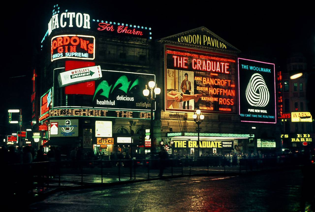 Piccadilly Circus 1968 Graduate opening