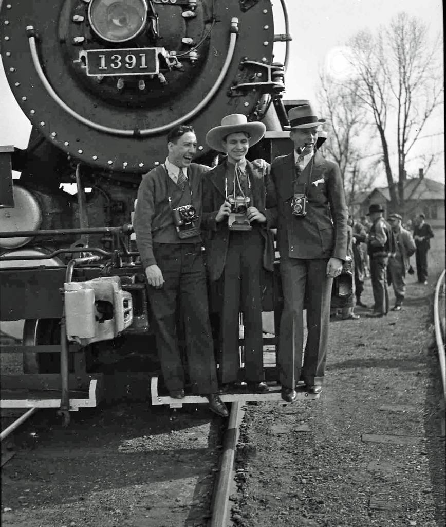Railfans on a 1939 camera excursion train. This photo may have been taken in Thurston, Ohio where there was a Y.