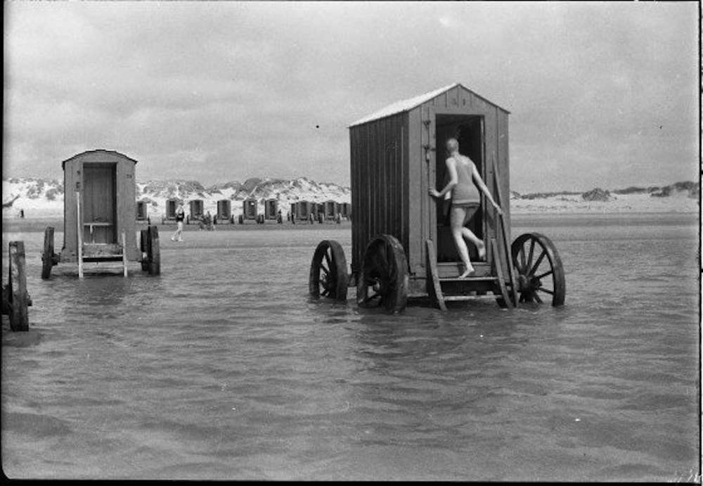 bathing machine 1