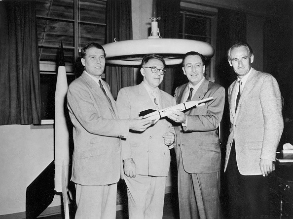 (GERMANY OUT) Disney, Walt - Producer, Magnate, USA -   (*05.12.1901-15.12.1966+)   from the left.: Wernher von Braun, Willy Ley, Disney and Professor Heinz Haber in preparation for the Disney documentary 'Our friend the atom' (german: 'Unser Freund, das Atom') - between 1956 und 1958 - 1956 Vintage property of ullstein bild  (Photo by ullstein bild via Getty Images)