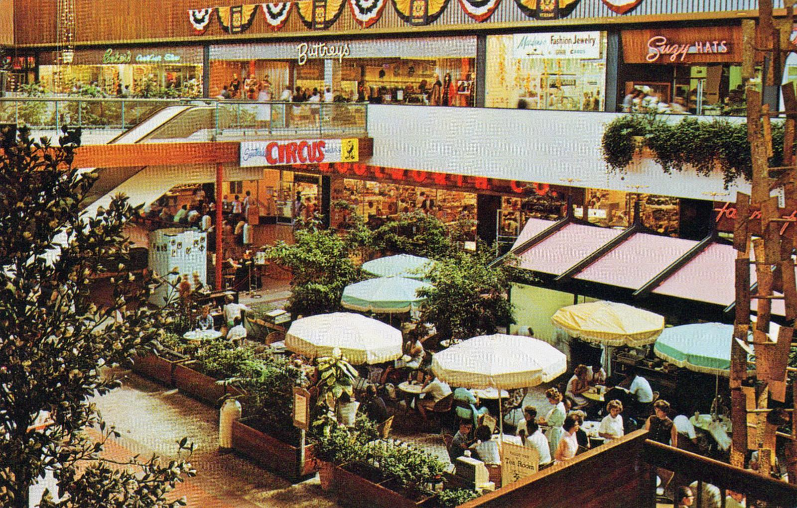 Greeting from mid century america 34 sensational postcards of the 78807554383a3da0c13ch kristyandbryce Images