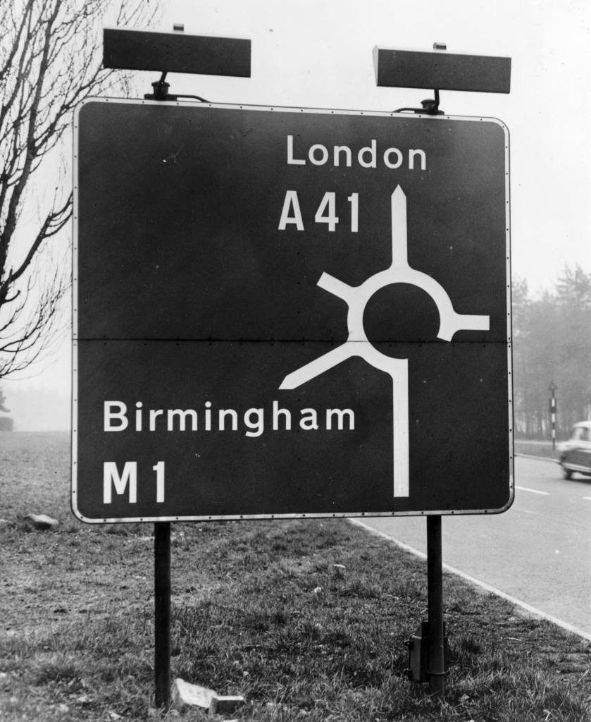 20th February 1962: A road sign at the entrance to the London to Birmingham motorway. (Photo by Peter King/Fox Photos/Getty Images)