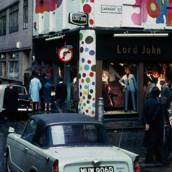 Brilliant Colour Photographs of an almost Swinging London in 1968