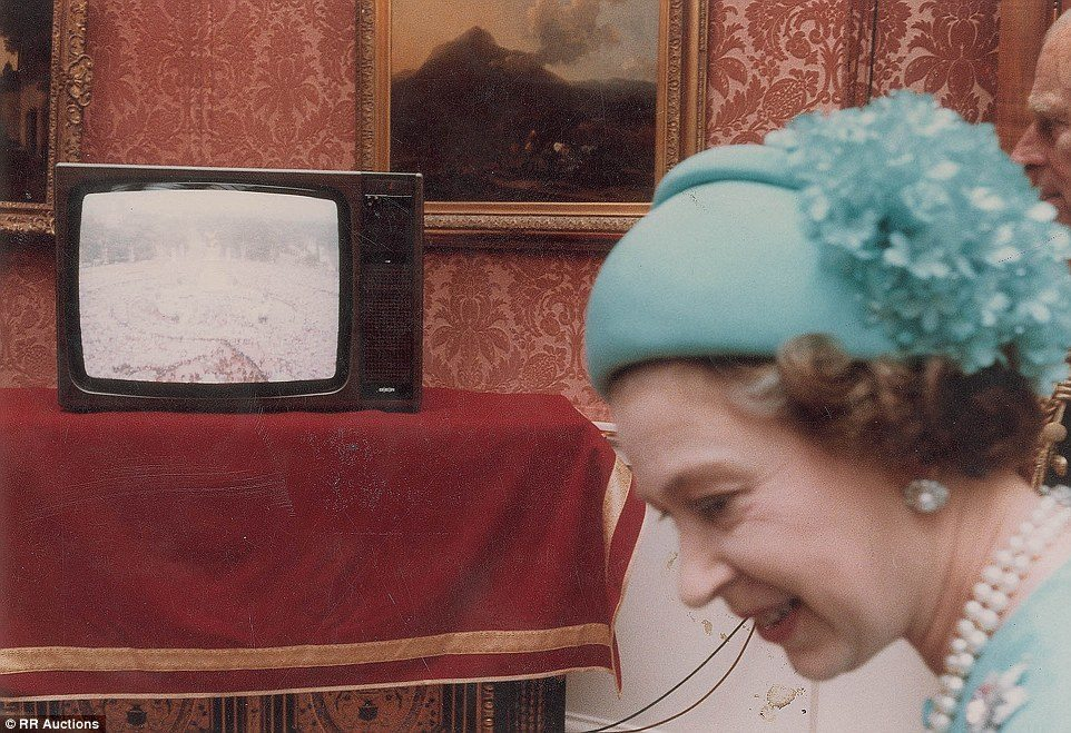 royal wedding diana queen TV