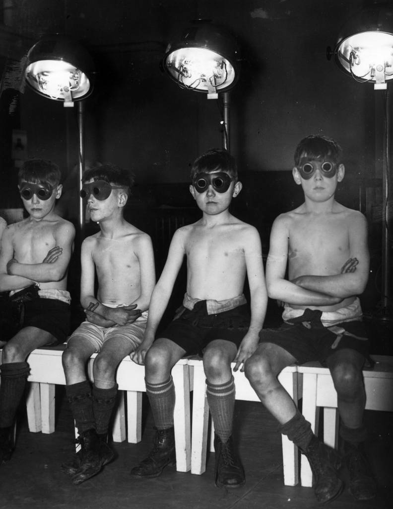 16th March 1939:  Children undergoing sunray treatment at Manchester's Open Air School for Delicate Children.  (Photo by Fox Photos/Getty Images)