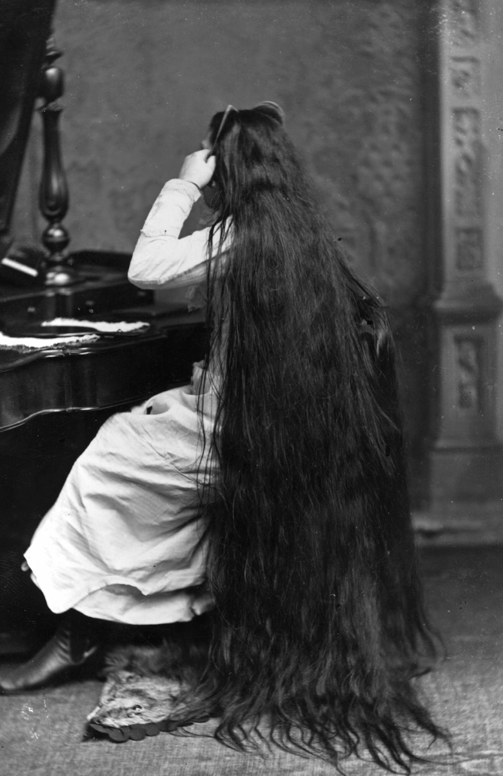 38 Photos That Prove Victorian Women Never Cut Their Hair