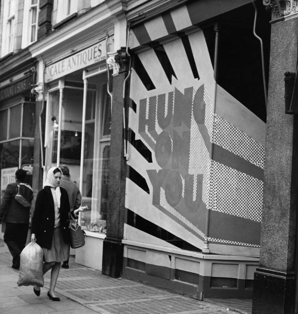 10th February 1967:  The shop front of the 'Hung On You' boutique, catering for male fashion, in Cale Street, Chelsea.  (Photo by Fox Photos/Getty Images)