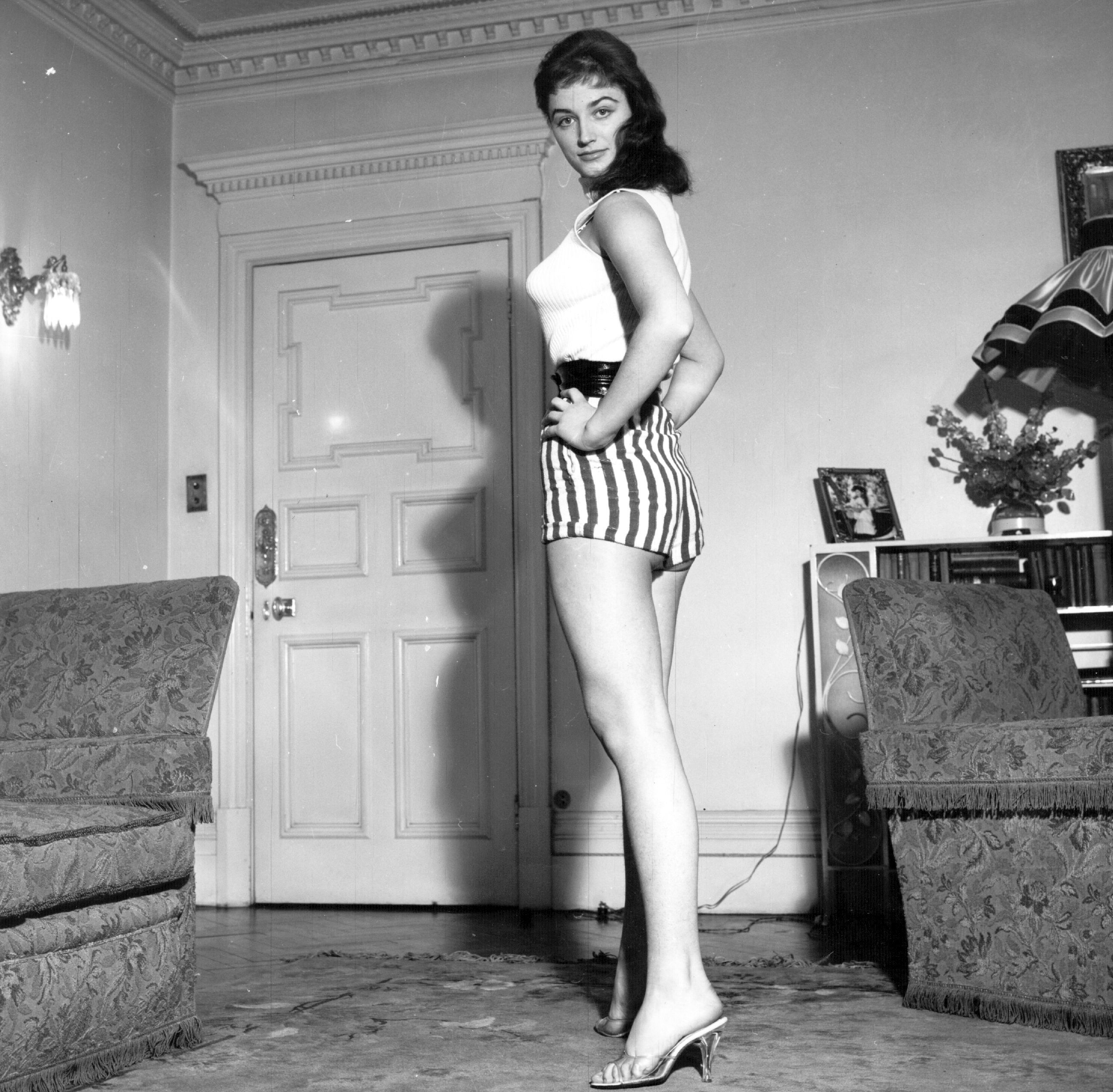 circa 1956:  Jackie Collins, budding starlet and sister of Joan Collins.  (Photo by Hulton Archive/Getty Images)