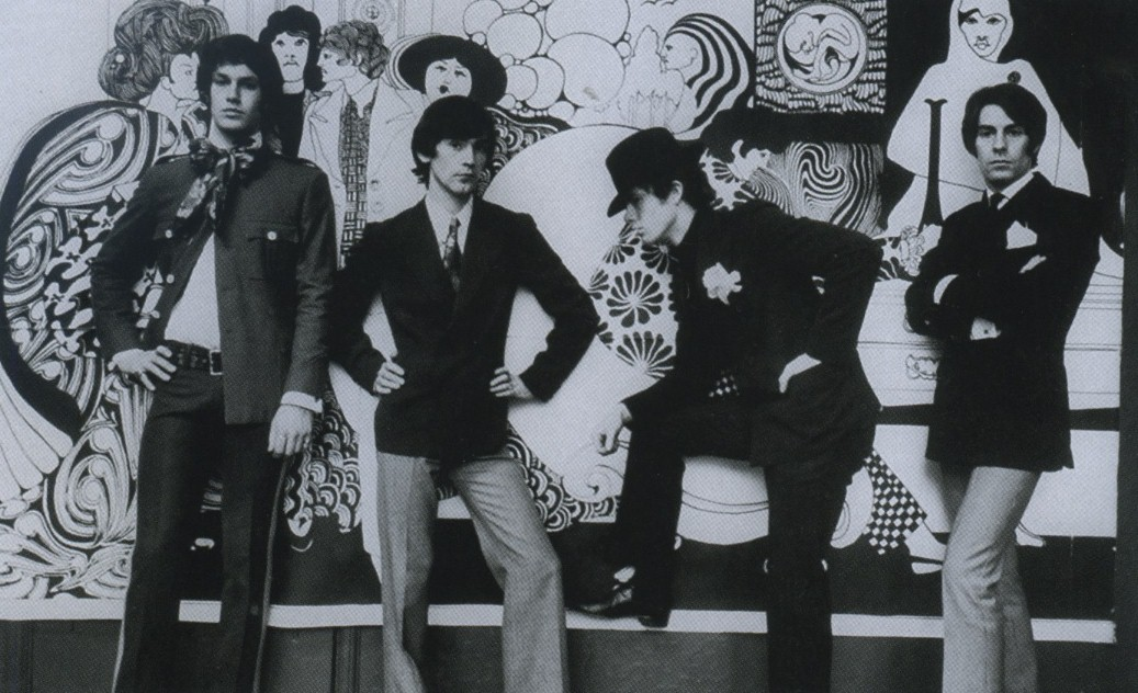 Photoshoot for a cover of Life magazine inside Hung On You. The second left is Ossie Clark and first right is Neil Winterbotham. 11.07.1967.