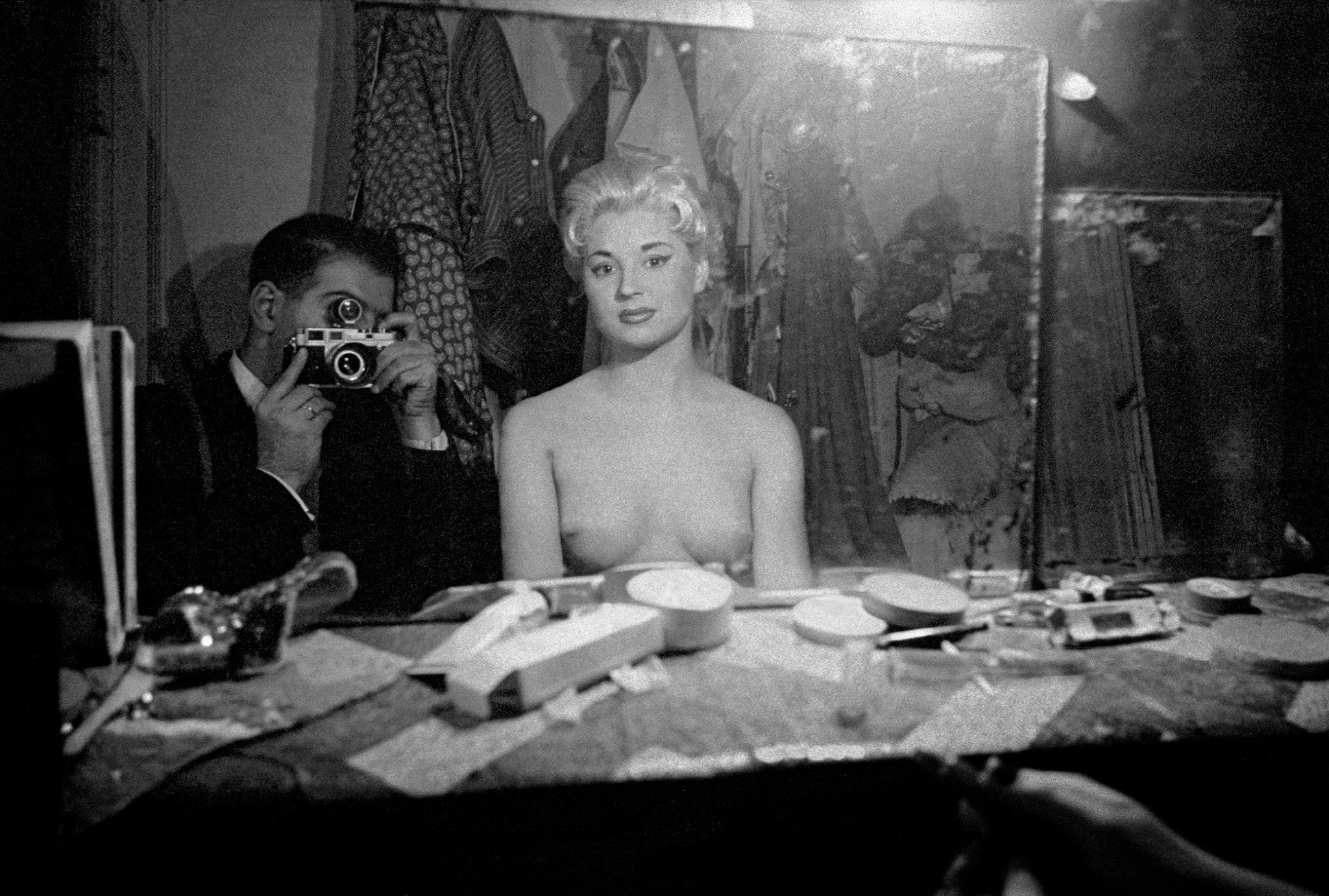 Frank Horvat 1956, Paris, Le Sphynx (c), self-portrait with stripper
